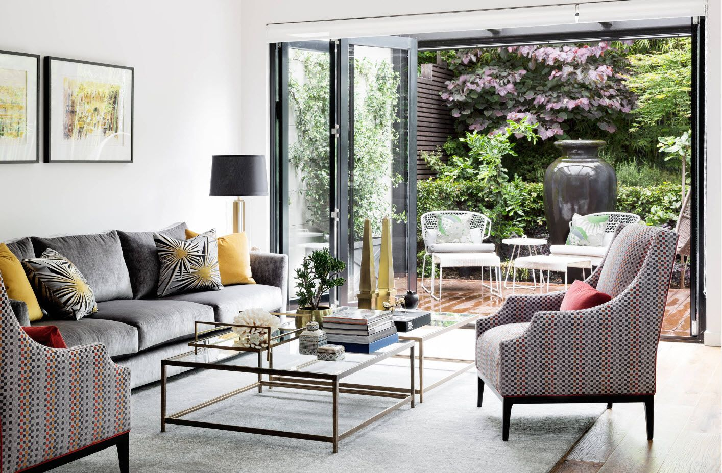 Modern Cottage Interior Design Tips. Trends and Features 2017. great glass coffee table in the living zone with panoramic windows