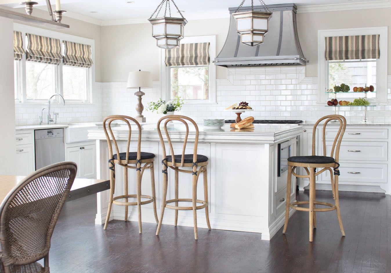 Provence chairs' design for the rustic kitchen 2017