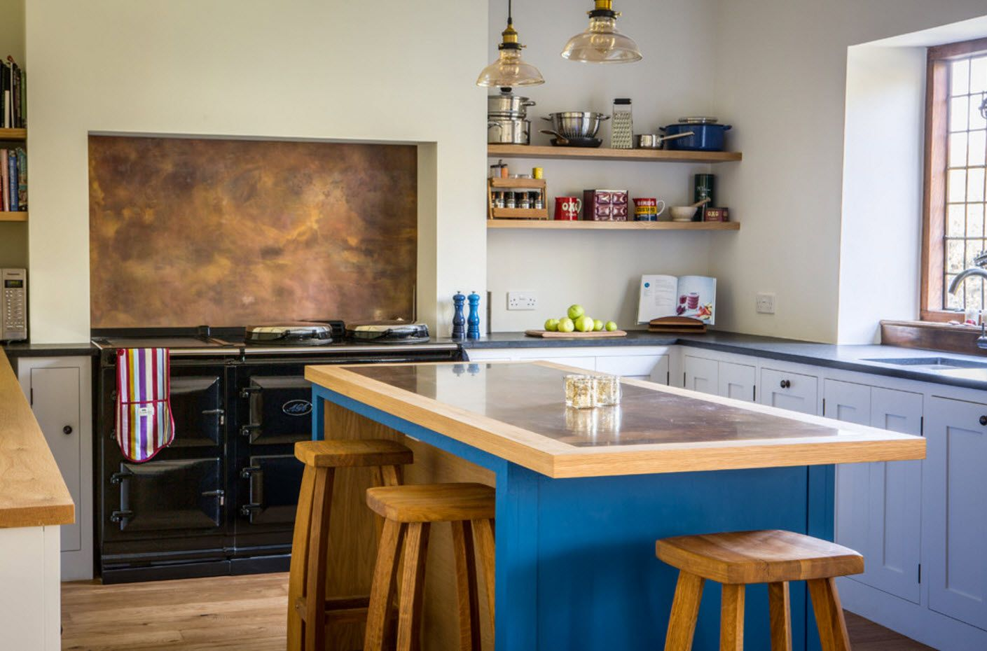 Navy blue color for kitchen island