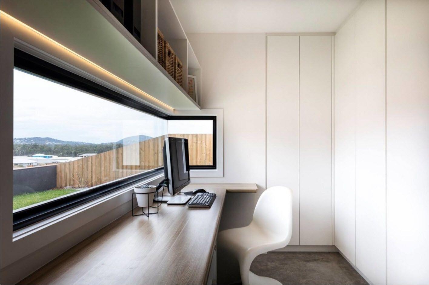 HI-tech design for the modern home office 2017