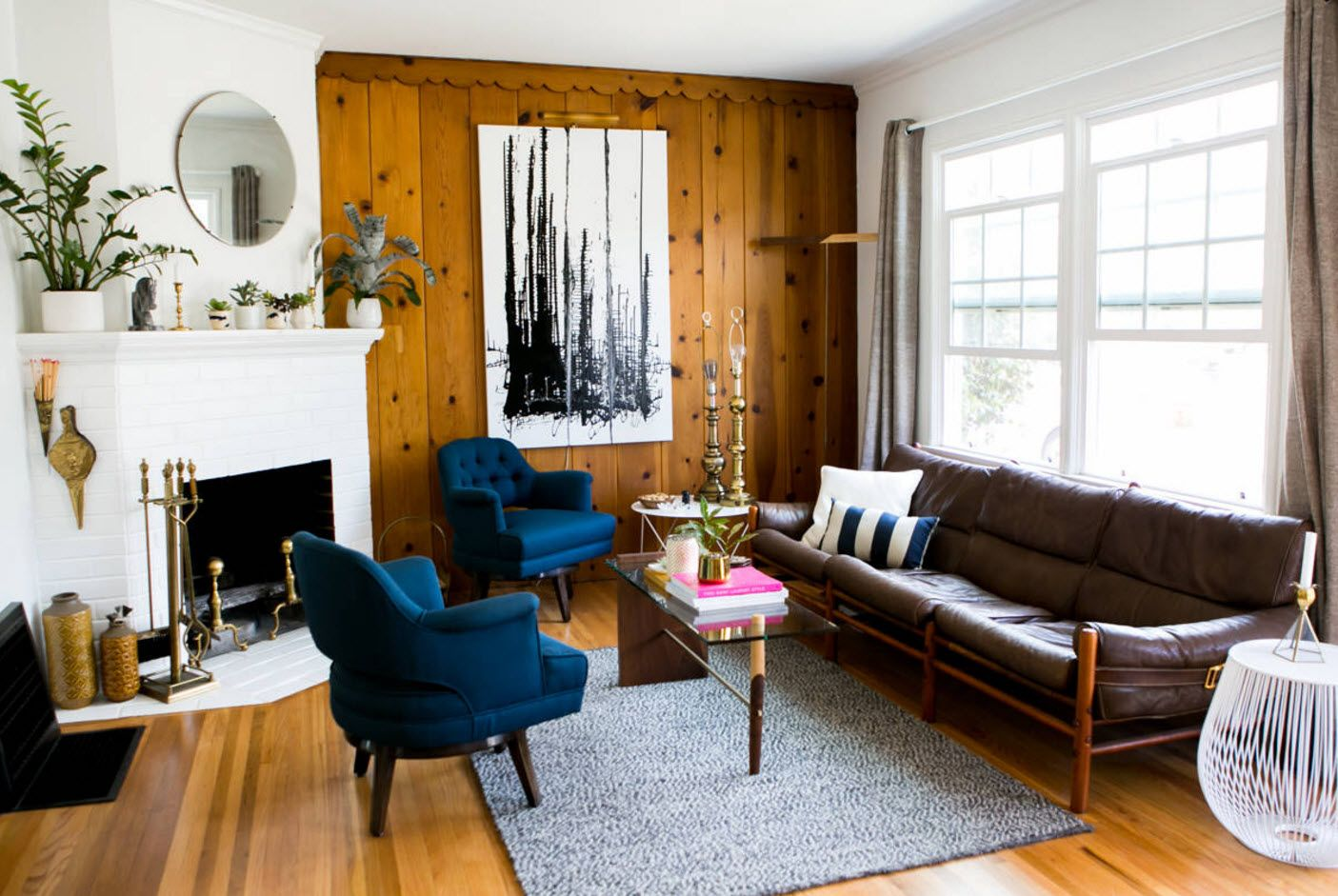 Wooden planked wall for the classic living with angular fireplace