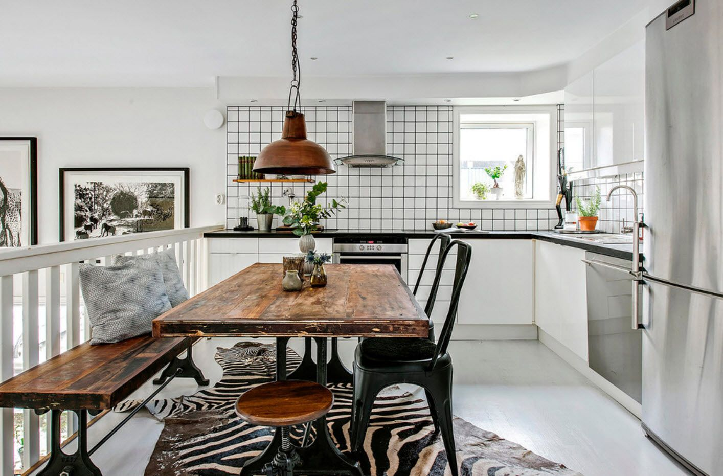 40 Square Feet Kitchen Modern Design Ideas & Layout Types. Rustic style with untreated wooden tabletop and plastic dark chairs