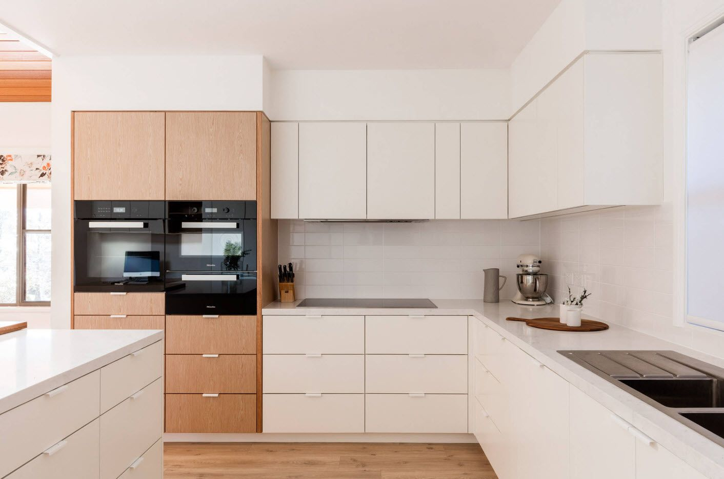 40 Square Feet Kitchen Modern Design Ideas & Layout Types. White wooden specioes to trim the room