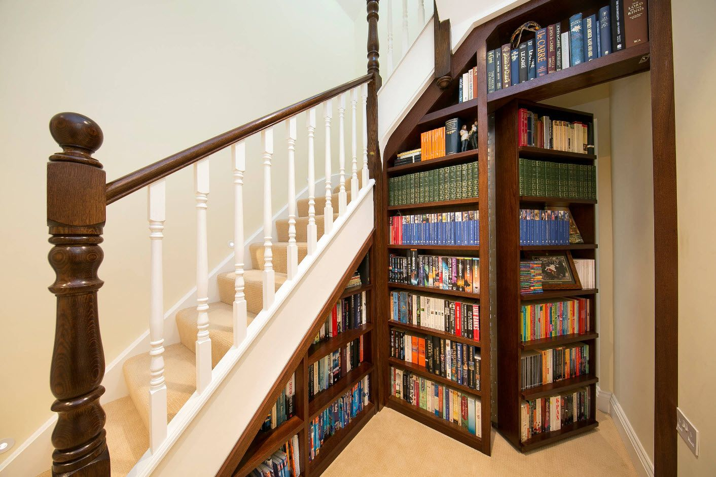 Top 100 Modern Home Office Design Trends 2017. Unusual book shelving as at the library