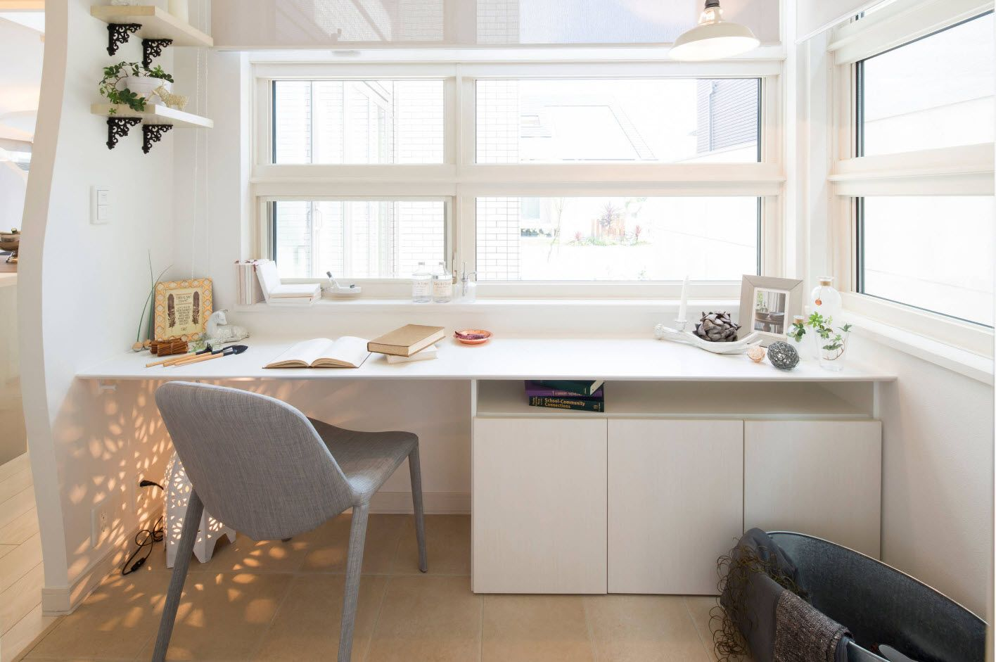 Top 100 Modern Home Office Design Trends 2017. Glance plastic ceiling, gray plastic chair and window sill side tabletop