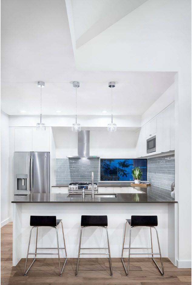 40 Square Feet Kitchen Modern Design Ideas & Layout Types. Hi-tech styled kitchen with contrasting black tables
