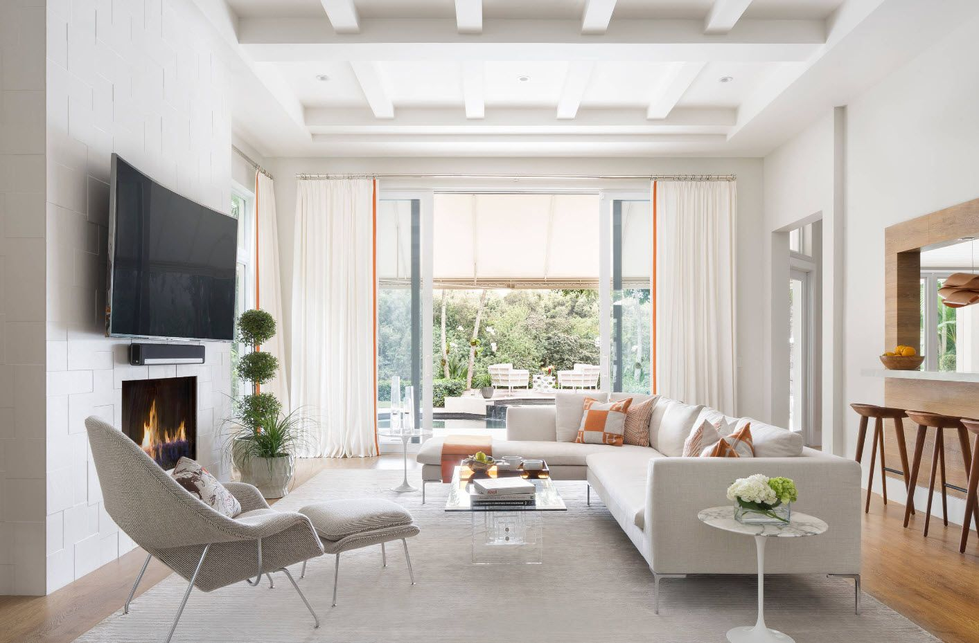 Creating Living Room Interior Inspiration Design Ideas 2017. White open beams of the ceiling in loft whitewashed interior