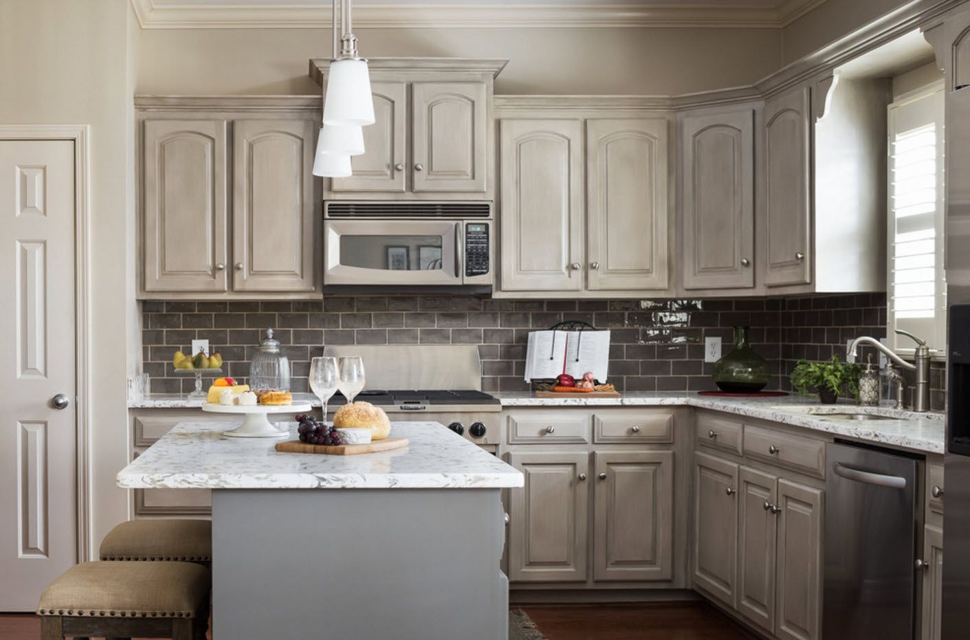 40 Square Feet Kitchen Modern Design Ideas & Layout Types. A touch of Provence style
