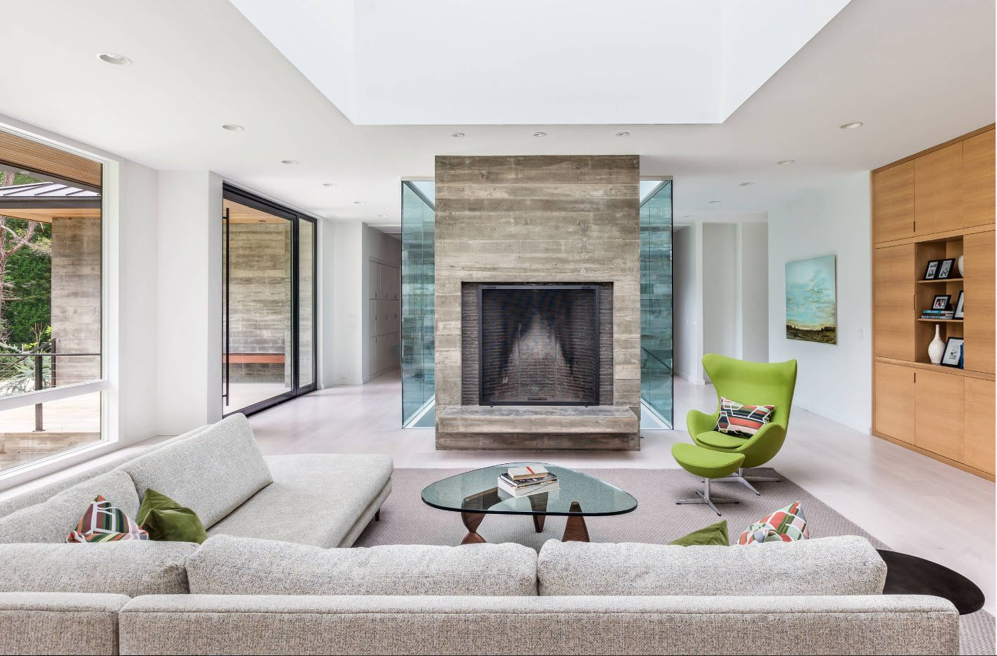 Stone cube accent of the fireplace
