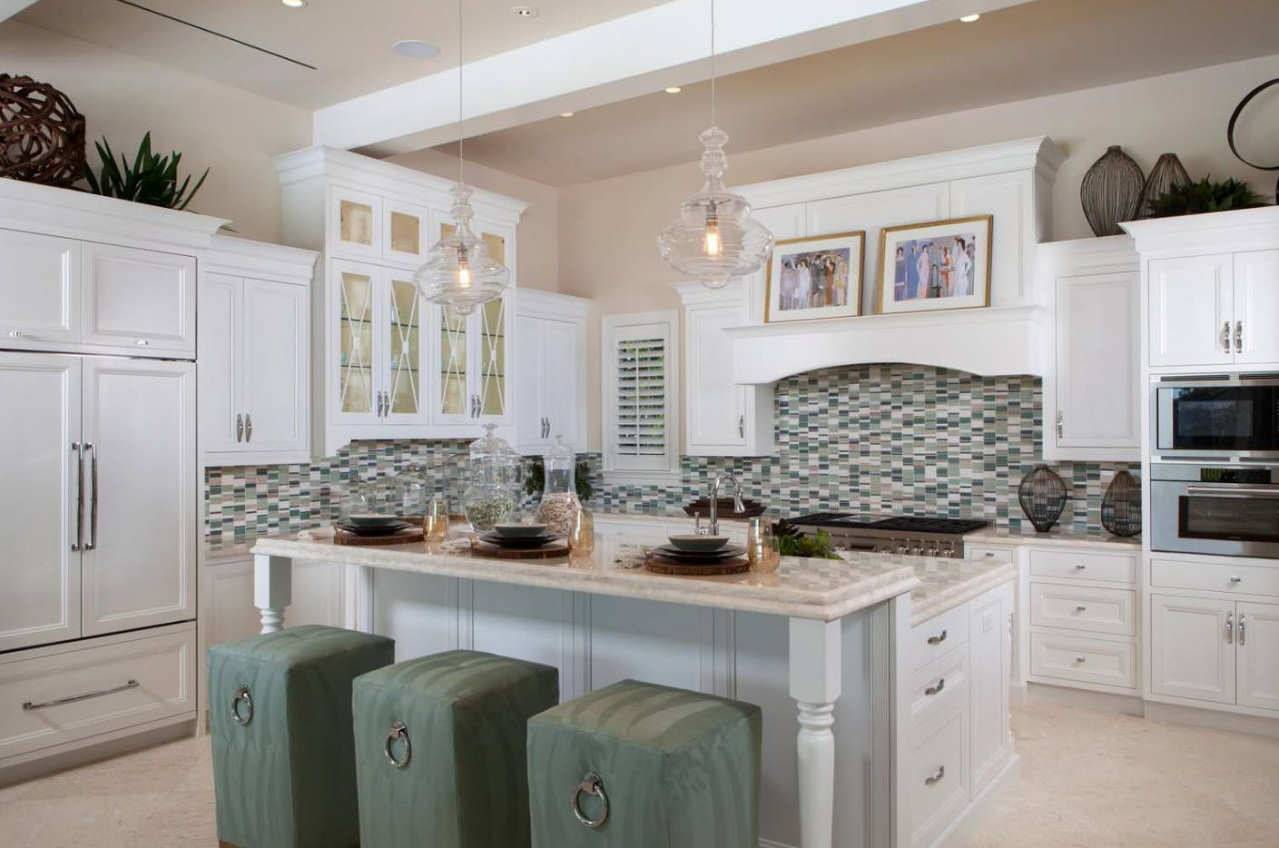 Mosaic solid splashback at the Country styled kitchen