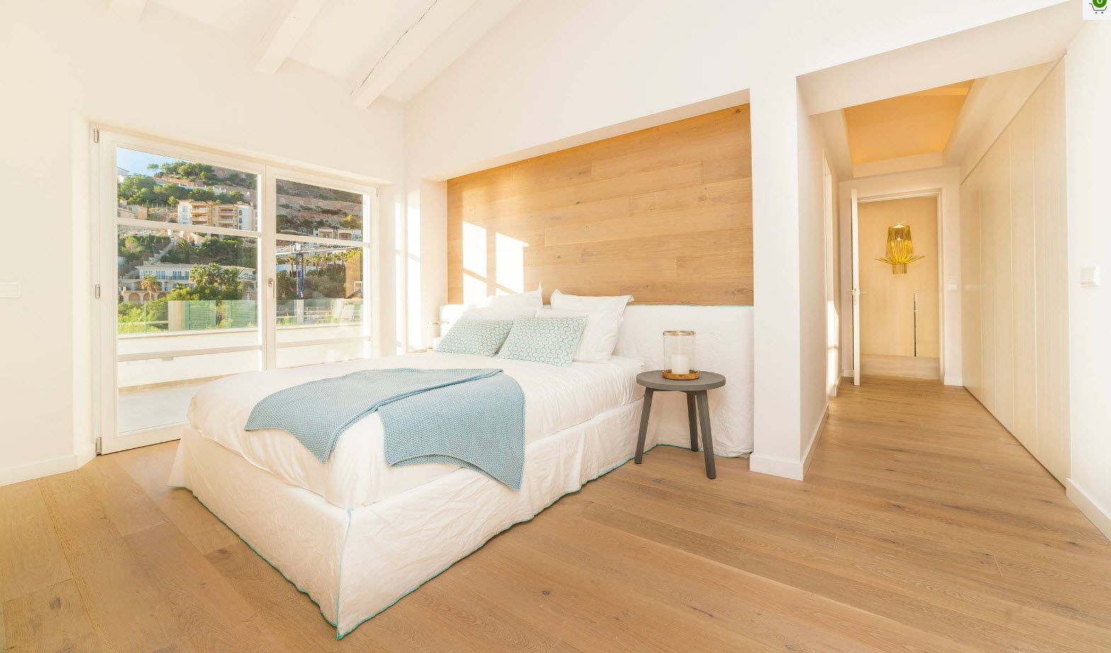 Modern Cottage Interior Design Tips. Trends and Features 2017. Light wooden idyll in the sun lit bedroom
