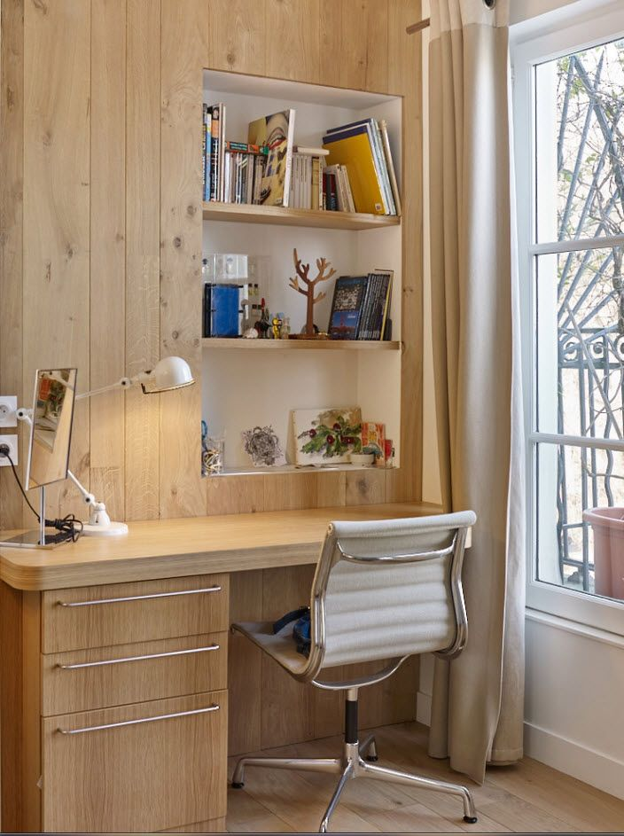 Light wooden furniture for the modern improvised home office