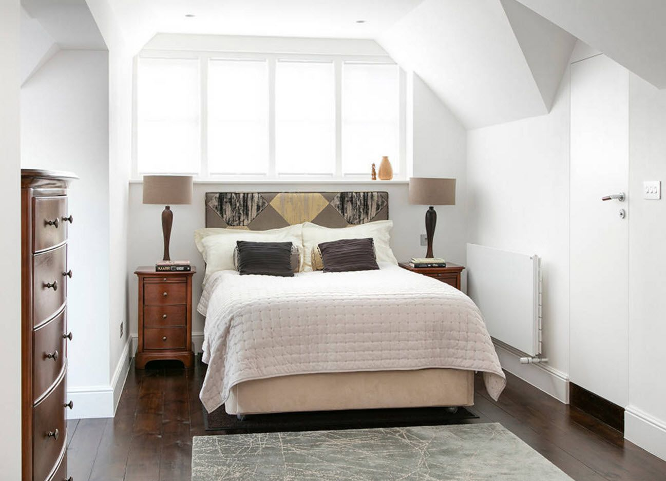 Pastel tones of wall decoration in the bedroom