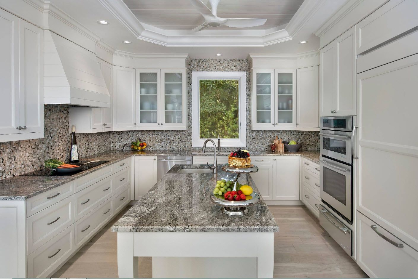 Nice classic noble mix in the private house's spectacular large kitchen design with large window