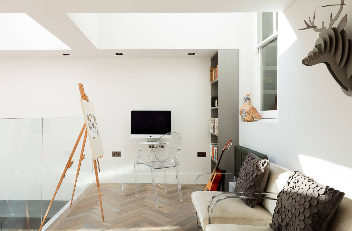Top 100 Modern Home Office Design Trends 2017. Classic parquet and artistic set in the room