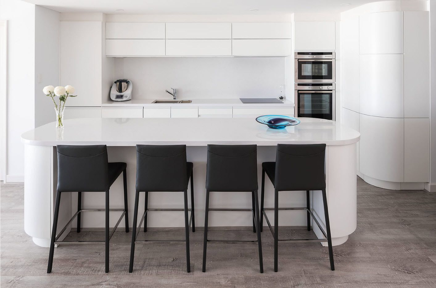 40 Square Feet Kitchen Modern Dedign Ideas & Layout Types. Dining zone with dark plastic chairs