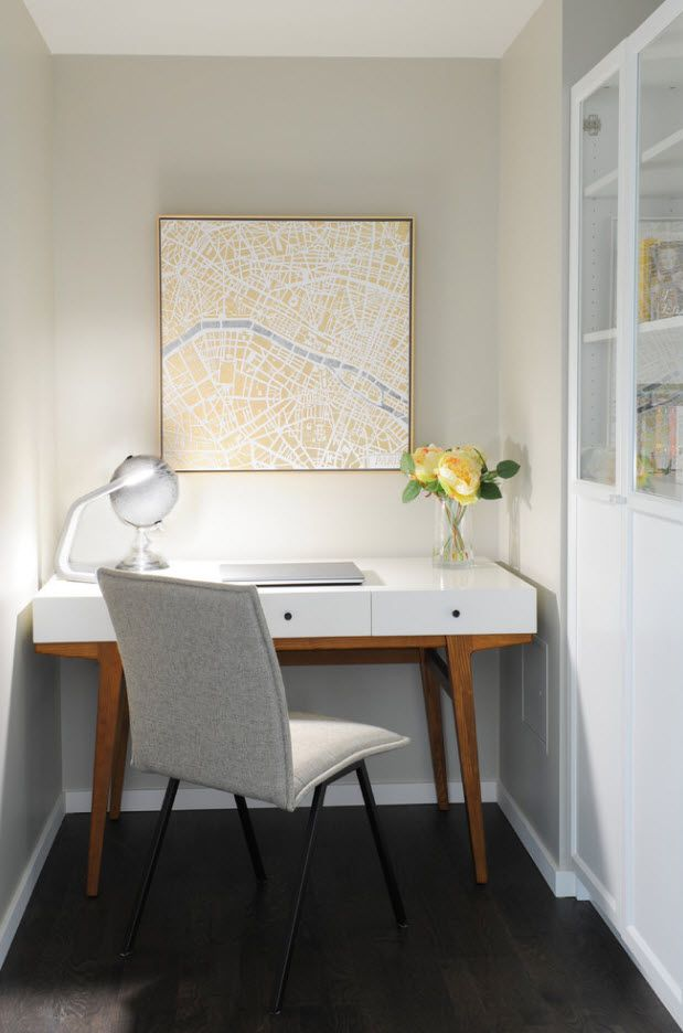 Light pretty working atmosphere with table storage at the home office