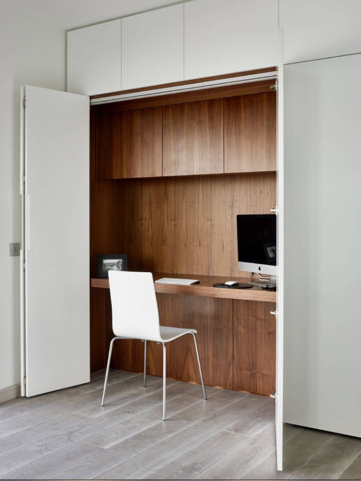 Top 100 Modern Home Office Design Trends 2017. Spectacular working place at the cabinet with dark wooden trimming