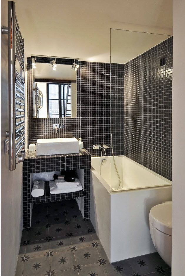 Dark mosaic with light grout looks spectacular