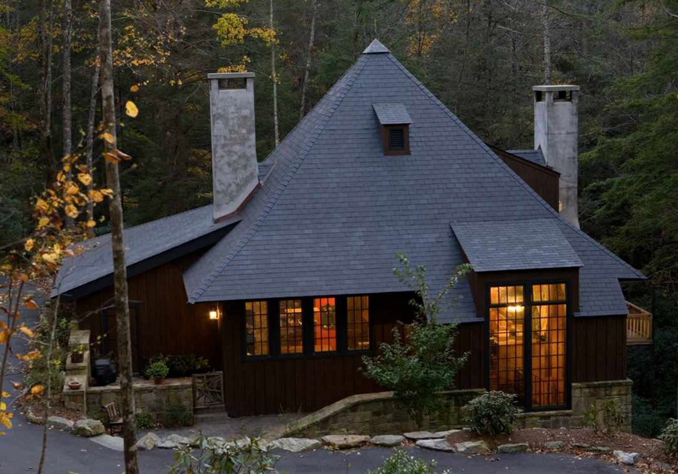 100+ Private House Roofs Beautiful Design Ideas. Hipped spectacular dark top of ноу forest side house