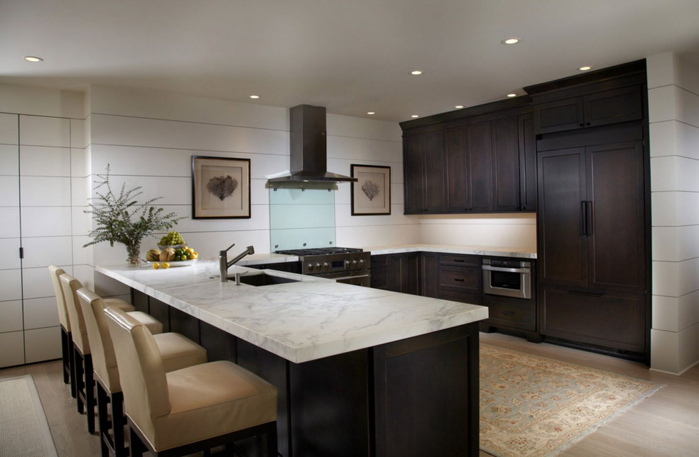 Dark furniture ensenble for modern large kitchen