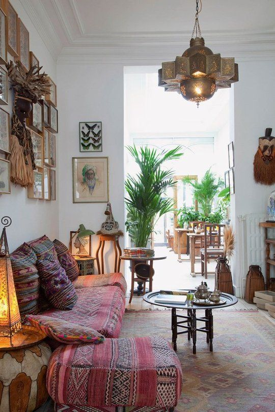 Greenery in the vintage styled room