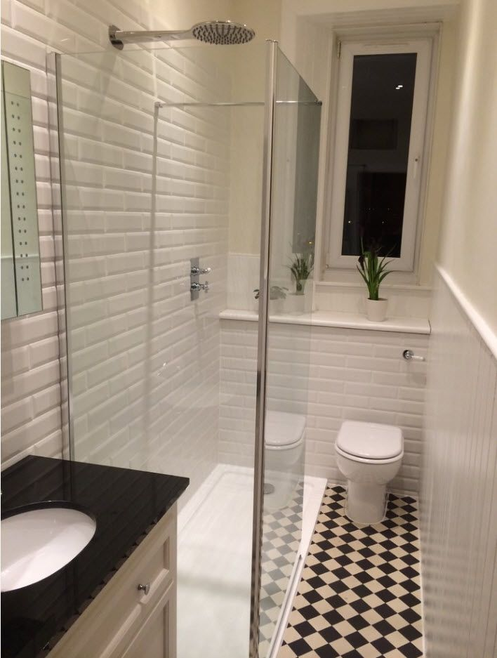 Successfull minimalsitic interior of bathroom with chess floor