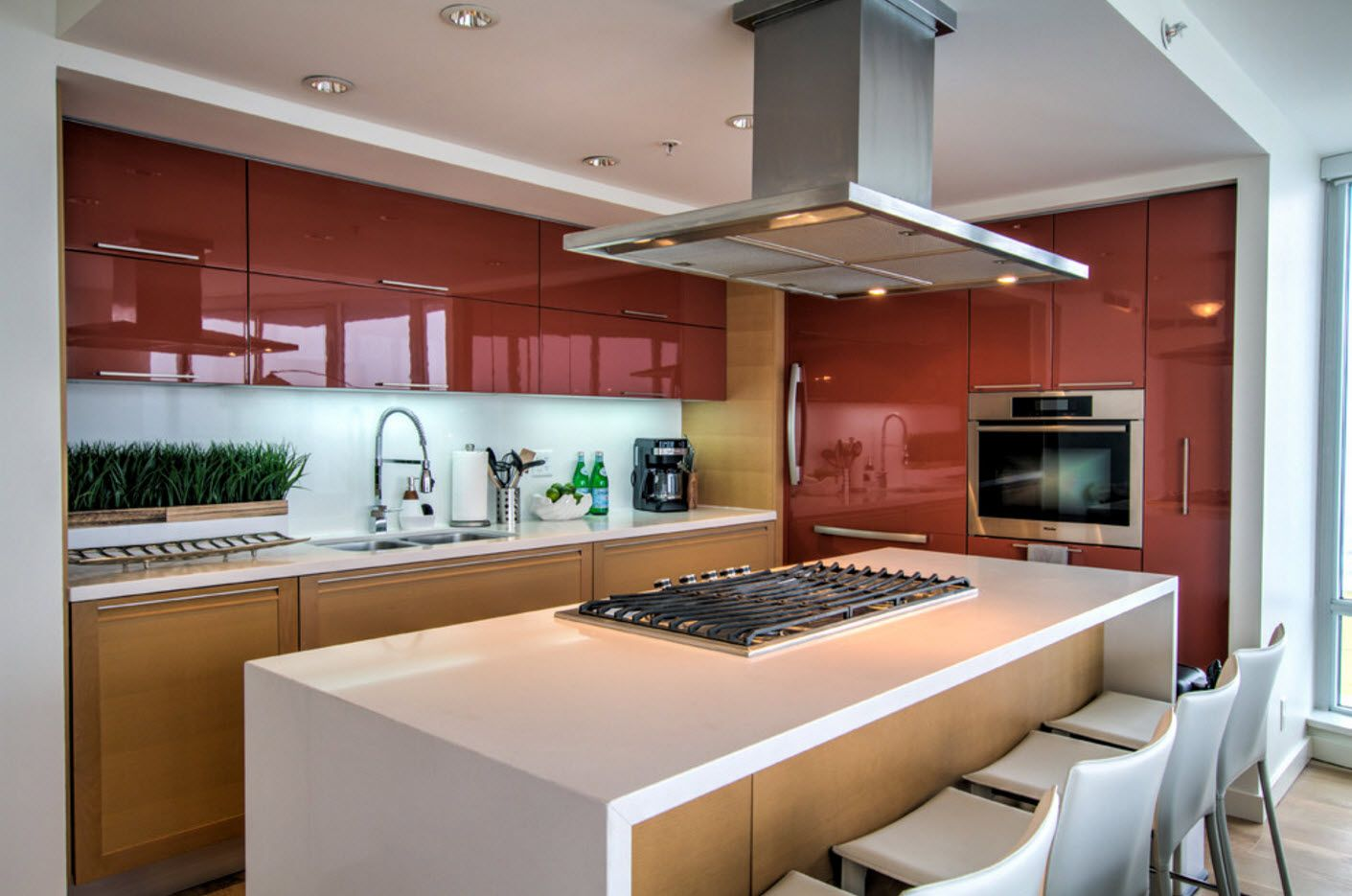 100+ Photo Design Ideas of Modern, Comfortable IKEA Kitchens. Nice red hue of furniture facades