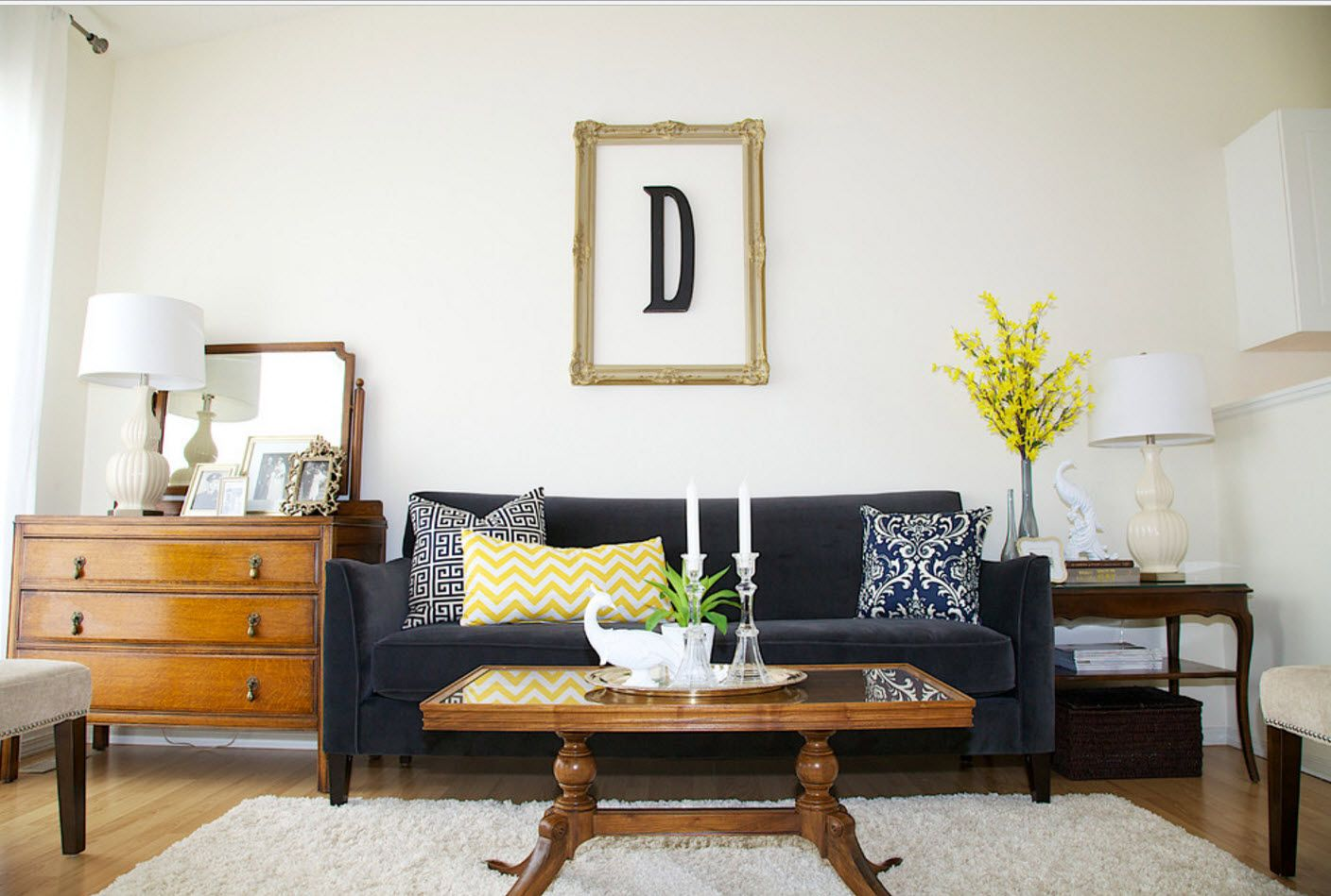 Living room with the letter picture design and classic setting