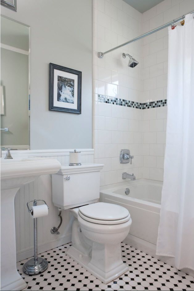 Nice looking successful design of the classic styled bathroom