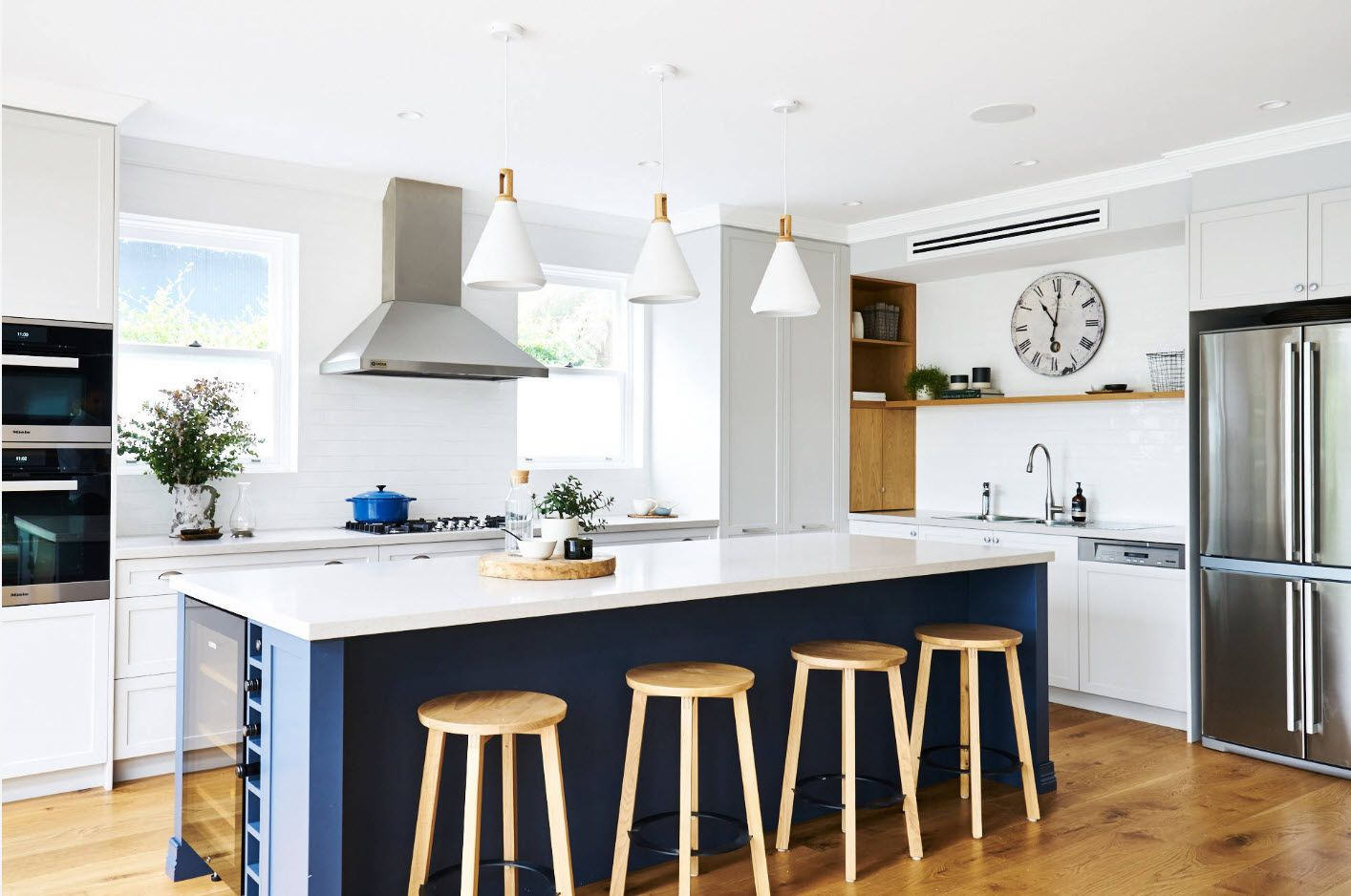 Deep blue shade for the kitchen island