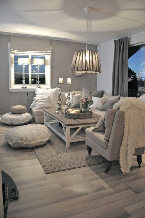 Gray tender setting of the classic decorated room