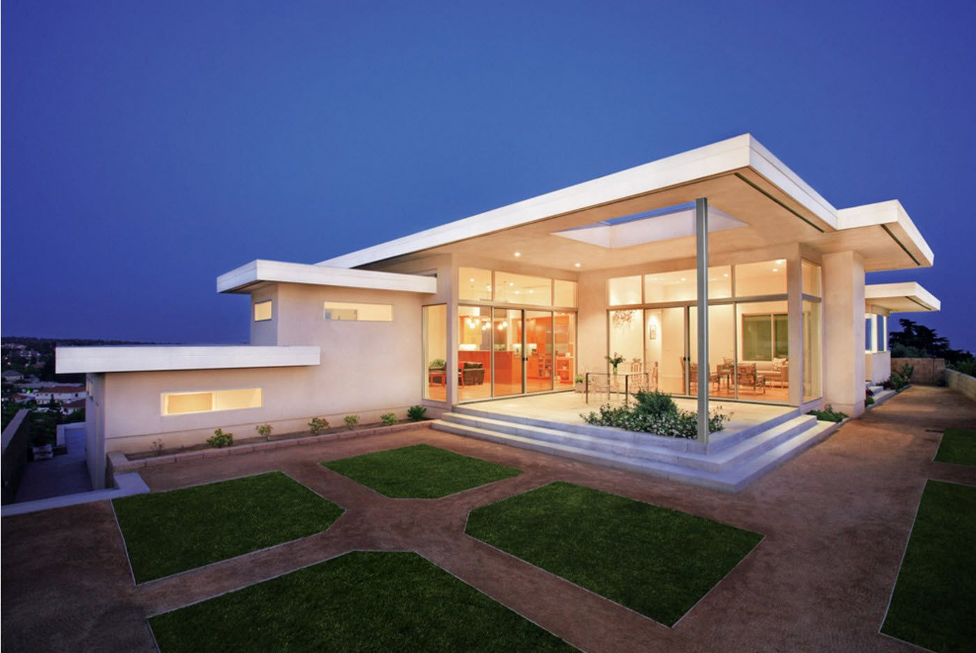 100+ Private House Roofs Beautiful Design Ideas. Modern glass-and-steel house with flat top