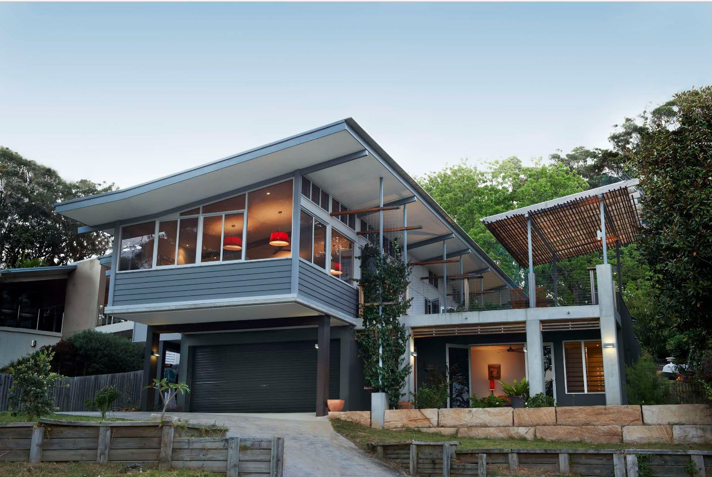 non-exploited shed roof of the spectacular hi-tech two-storey house