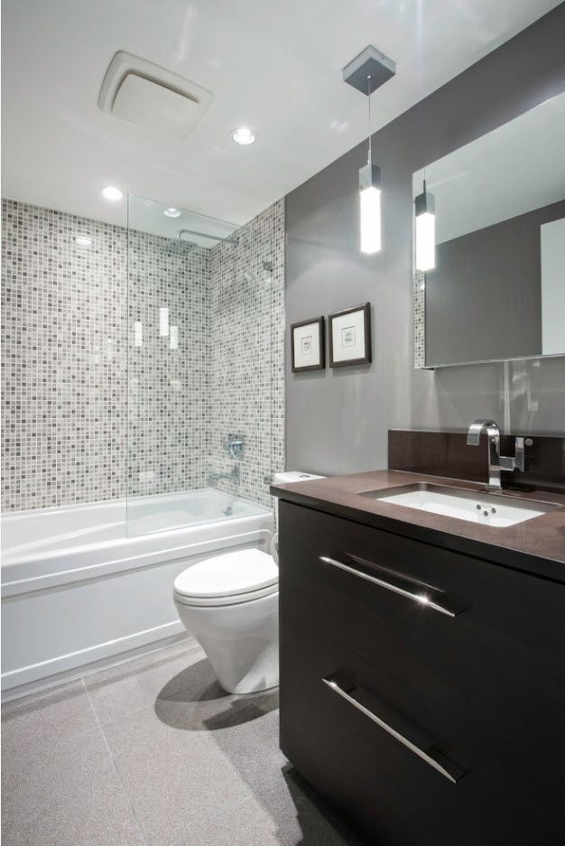 Nice texture at the bathtub side