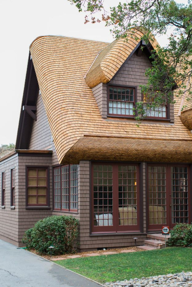 Great voluminous idea for the roof carcass