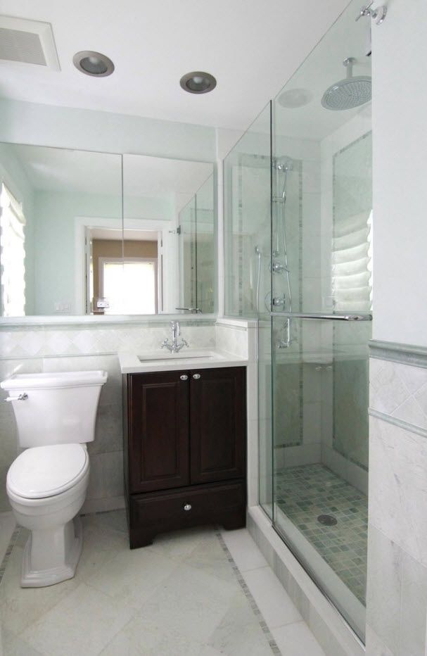 Lime wall decorating, large mirror and glass surfaces