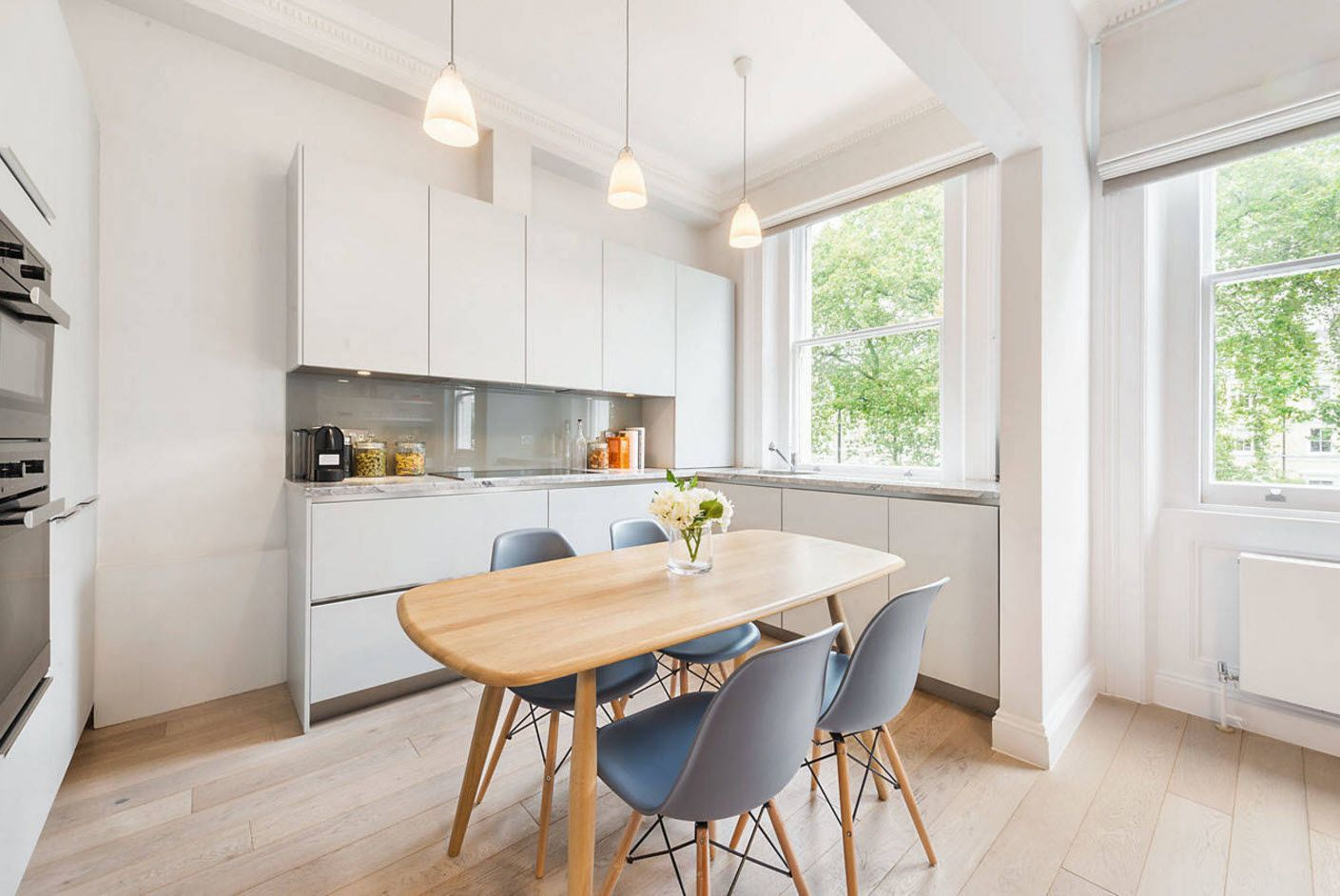 100+ Photo Design Ideas of Modern, Comfortable IKEA Kitchens. White setting and wooden table with floor