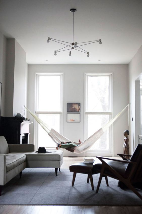 100+ Photo Modern Living Room Decoration Ideas. Grey idyll in the tight room with hammock