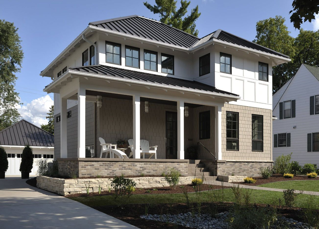 Nice two-storey house with pillars at the first level