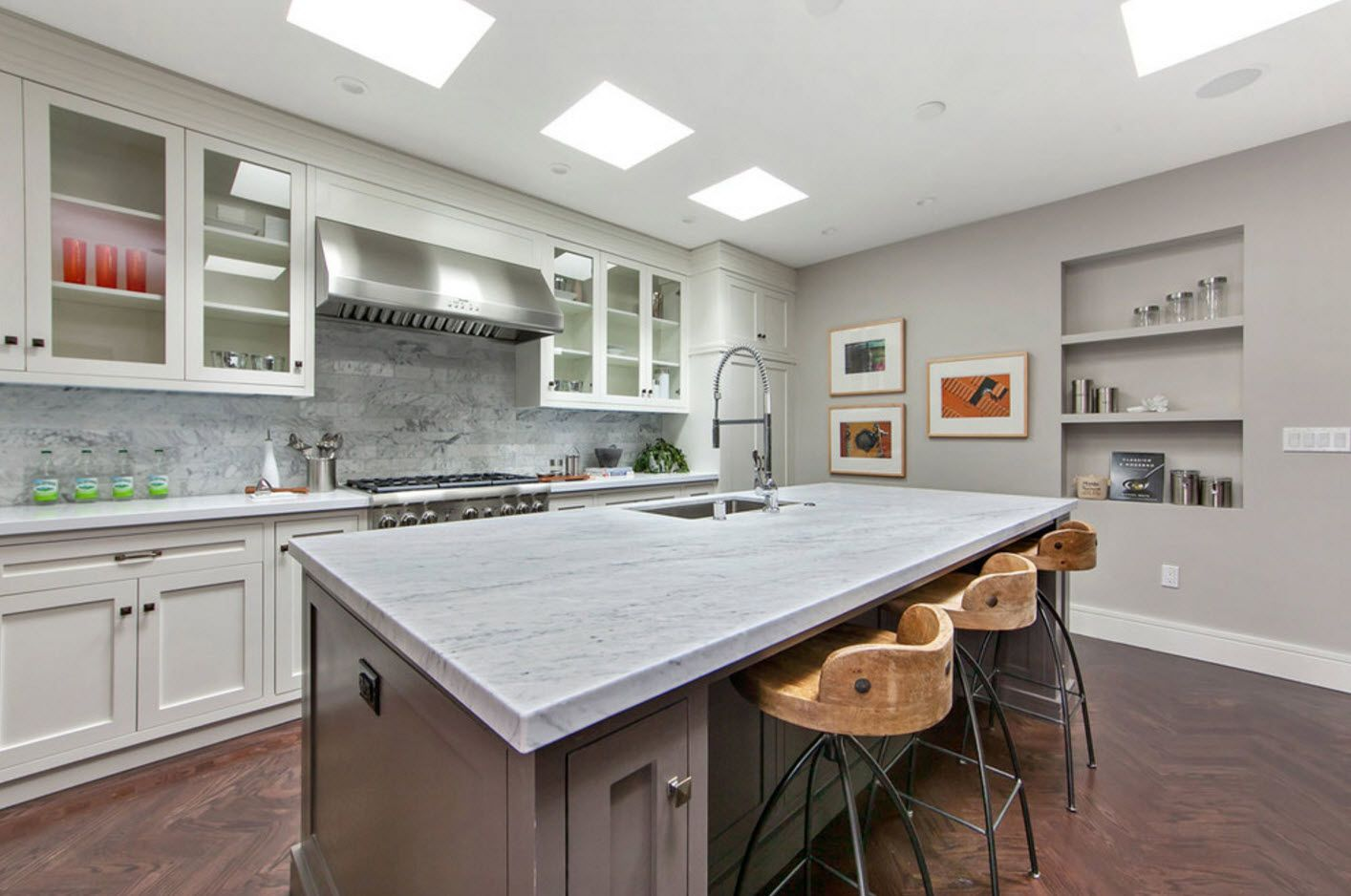 100+ Photo Design Ideas of Modern, Comfortable IKEA Kitchens. White and gray color palette with white ceiling