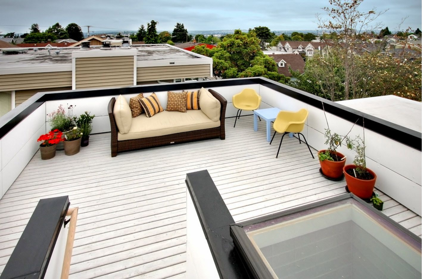 100+ Private House Roofs Beautiful Design Ideas. Mansard roof of the townhouse