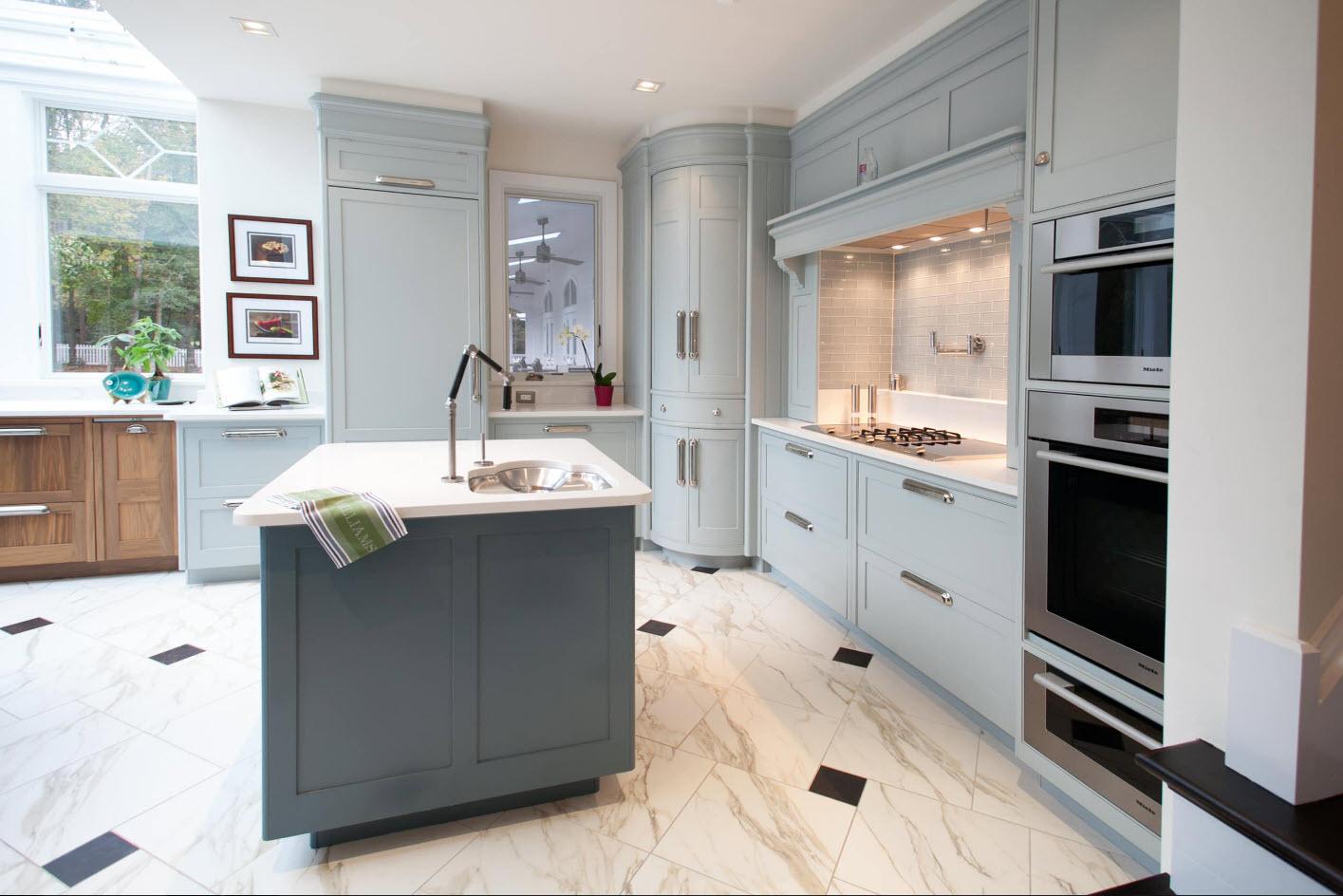 Ultramodern kitchen design with classic kitchen set though