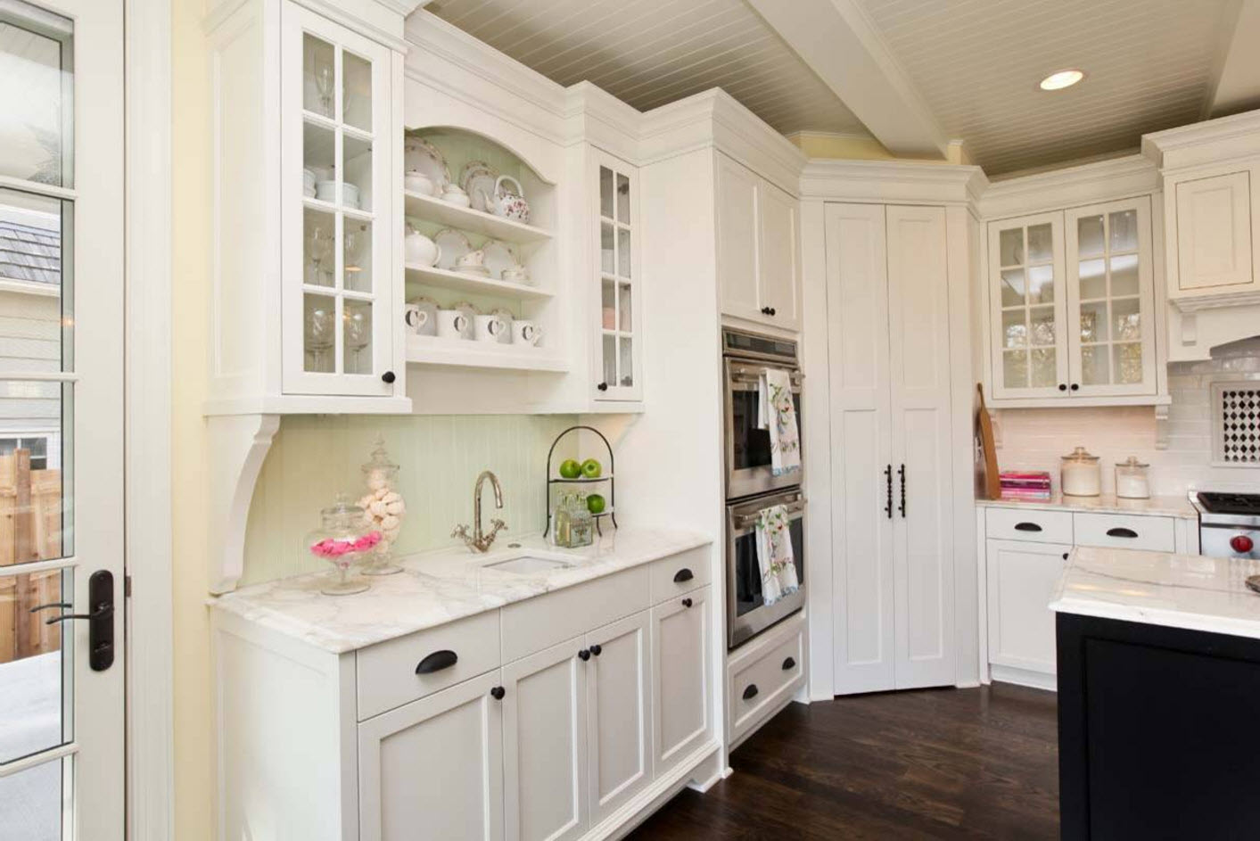 French Provence touch in the modern milky white kitchen with two ovens