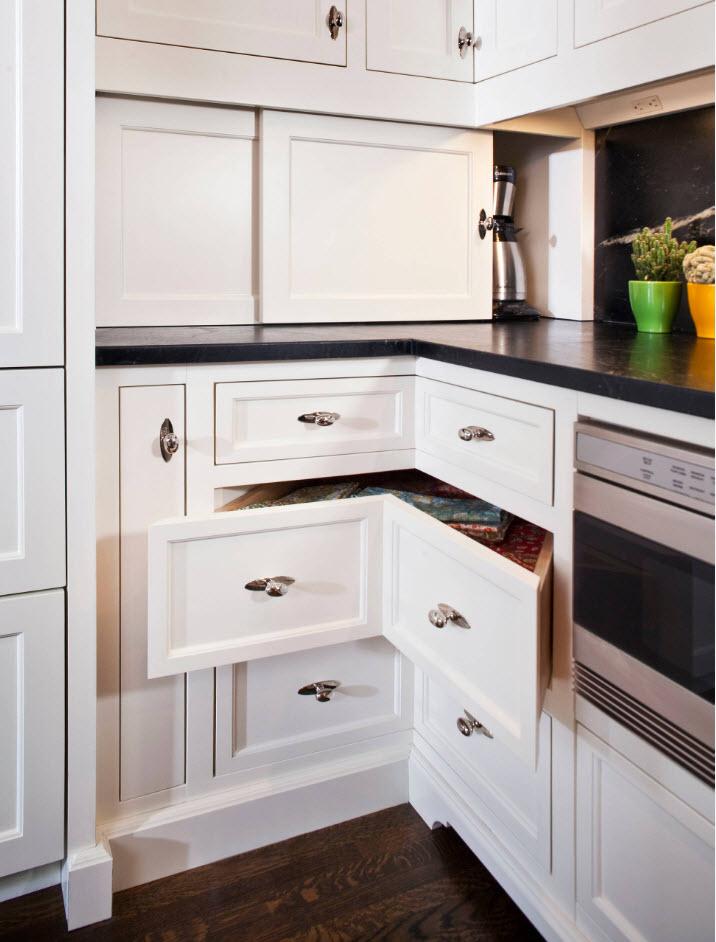 Corner drawers under the countertop
