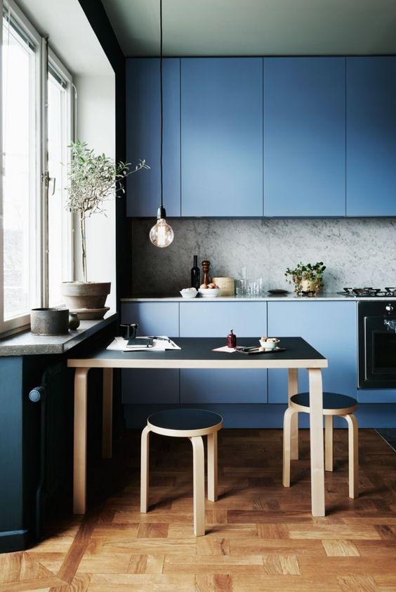 100+ Best Original Kitchen Design Ideas with Photos. Deep blue Scandinavian interior with mere bulb lamp