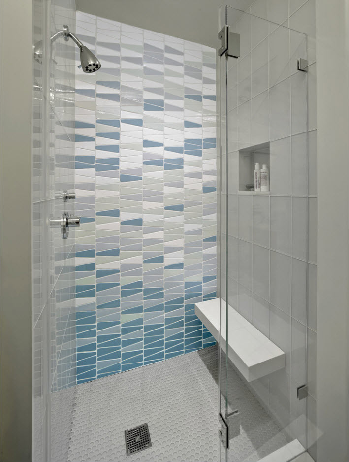 Bathroom Tiles Trends with Photogallery of Interiors 2017. Marine style with multicolored tiles
