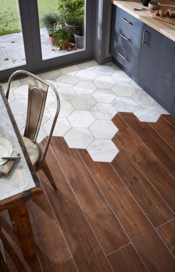 Combined floor materials - tiles and wood - look amazing