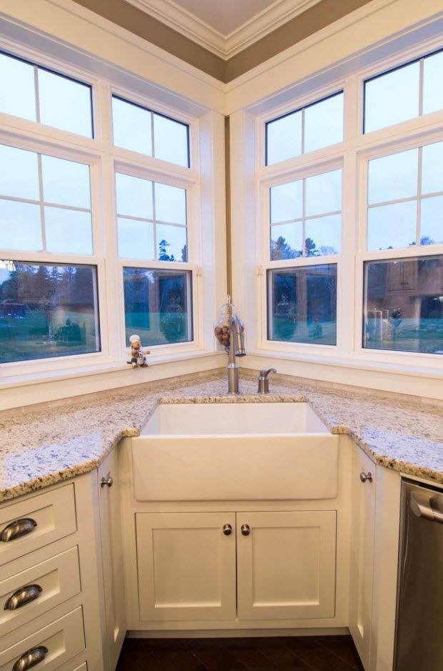 Angular Kitchen Layout Design Ideas 2017. Complex of windows and large sink in the corner