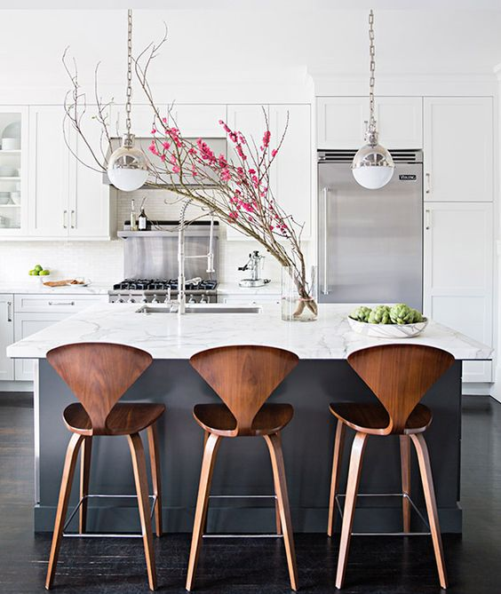 100+ Best Original Kitchen Design Ideas with Photos. Wooden chairs' composition at the island